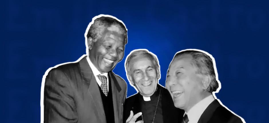 Nelson Mandela en el World Council of Churches en 1990 en Ginebra, Suiza con Emilio Castro (Secretario General World Council of Churches) y Soo Min-Lee (Secretario General, World Alliance of YMCAs)